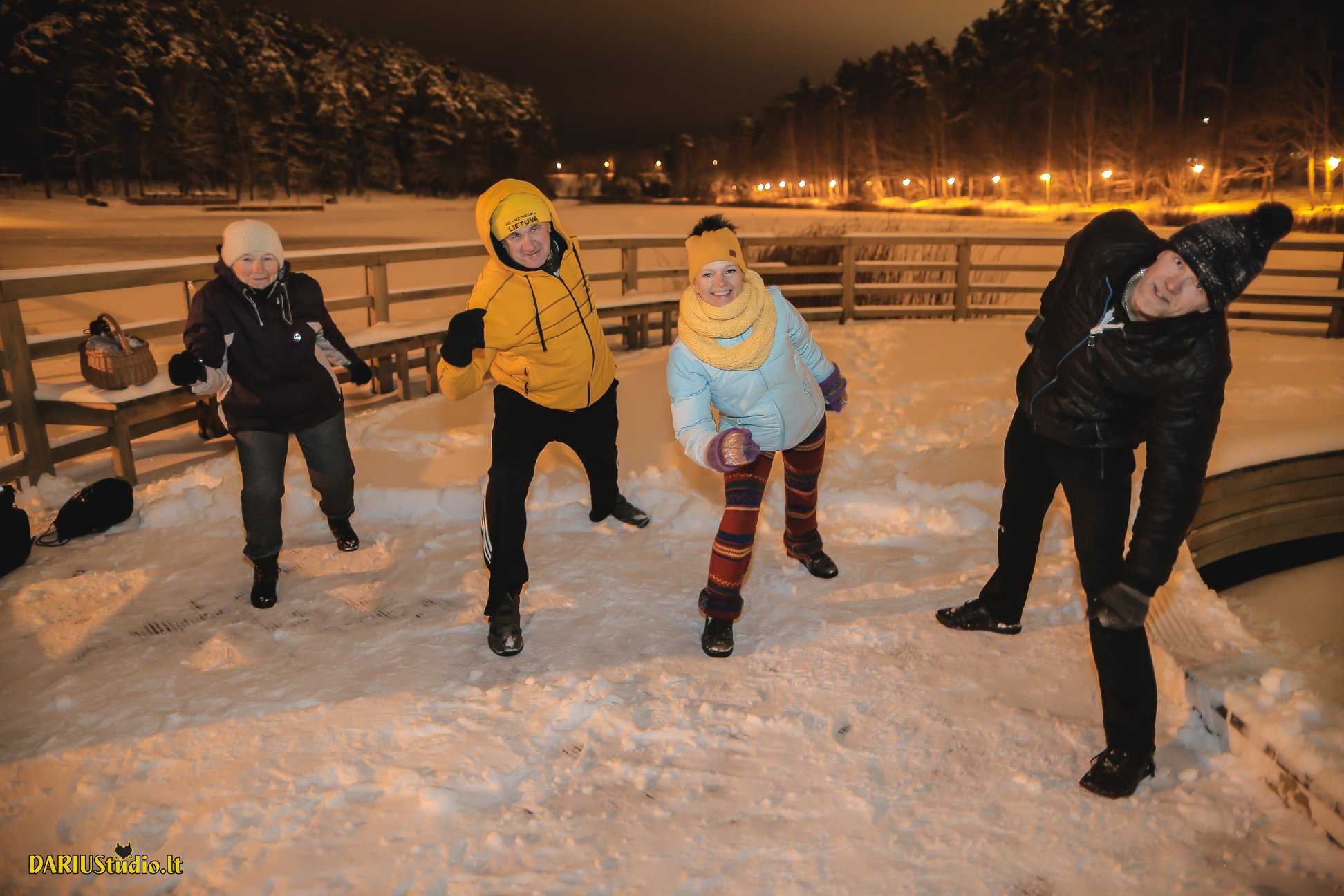 Maudynės žiemą po atviru dangumi – kenkia ar grūdina? | Lietuvos sveikuolių sąjungos nuotr.