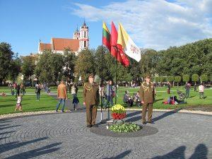 Garbės sargyba prie Lukiškių aikštės Šimtmečio žiedo relikvijų š. m. rugsėjo 23 d. | B. Puzinavičiaus nuotr.