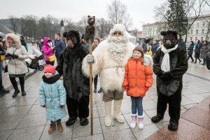 Vilniaus Kalėdų eglė į sostinę atviliojo net 6 Kalėdų Senelius | Vilniaus miesto savivaldybės nuotr.