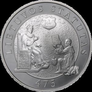 Albertas Goštautas įteikia Lietuvos Statutą didžiajam kunigaikščiui. Proginė lito moneta | LDKistorija.lt., wikimedia.org nuotr.