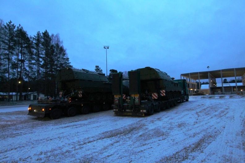 """Artilerijos batalioną pasiekė pirmosios modernizuotos haubicos """"PzH2000""""   V. Zalatoriūtės nuotr."""