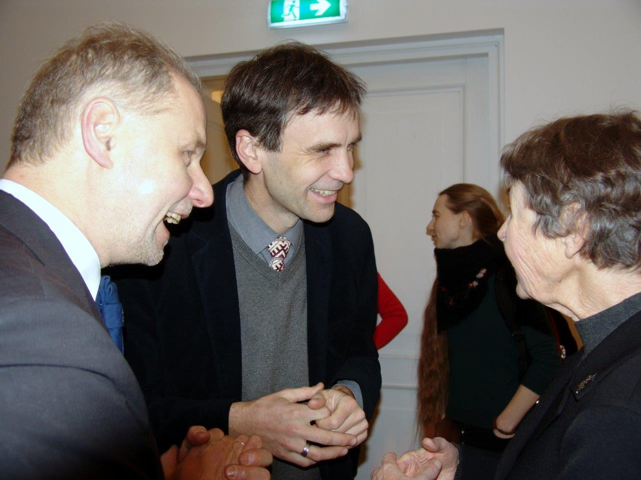 Iš kairės Virginijus Jocys, prof. dr. Vykintas Vaitkevičius, Aušra Juškaitė-Vilkienė