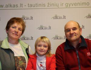 Seda Bukauskienė, Mėta Melisa Bukauskaitė ir Gerimantas Statinis | Alkas.lt nuotr.