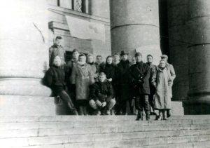 Jonas Vaičenonis su kurso draugais istrikais 1991 sausio mėn. | asmeninė nuotr.