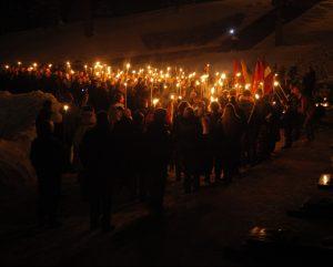 Eisena su deglais pagerbs Sausio 13-osios žuvusiųjų atminimui | V. Daraškevičiaus nuotr.