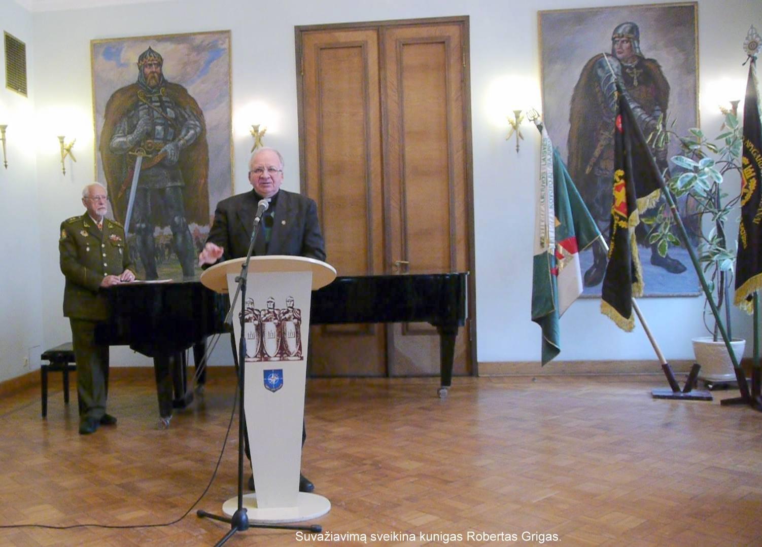 Suvažiavimą sveikina kunigas Robertas Grigas | V. Kašinsko nuotr.