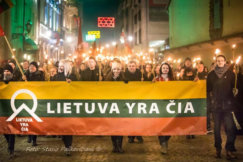 Vasario 16-osios tautinės eitynės su deglais Vilniuje 2019-02-16   S. Paškevičiaus nuotr,