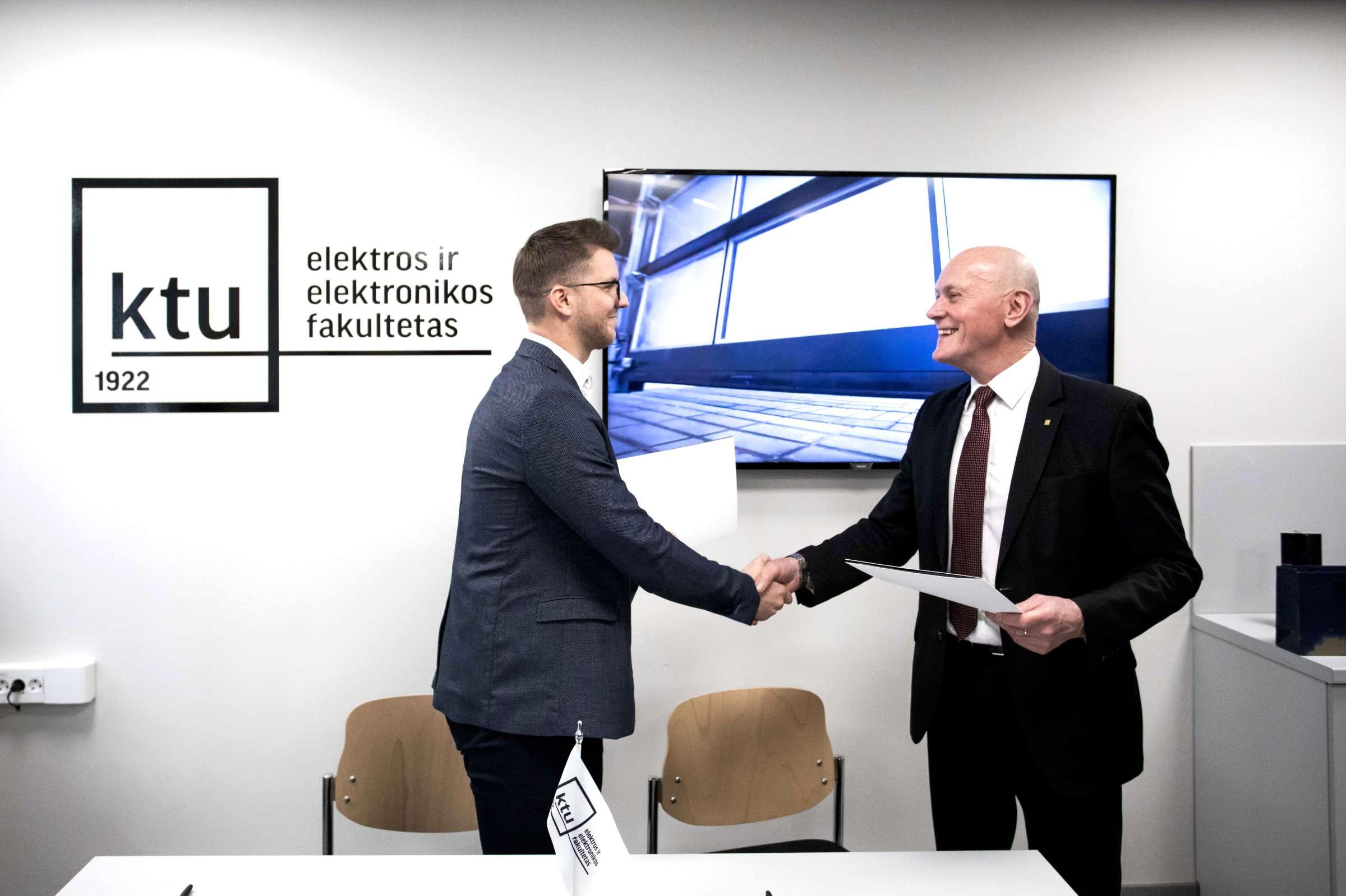 BalticDiag automobilinės elektronikos diagnostikos laboratorija renginio akimirka 3-2400