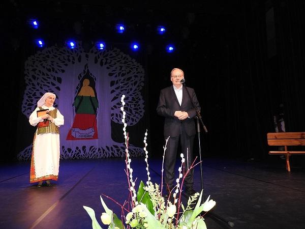 Vasario 16-osios šventėje Ignalinoje pagerbti senieji lietuviški vardai ir įteikta kultūros premija   Ignalinos rajono savivaldybės nuotr.