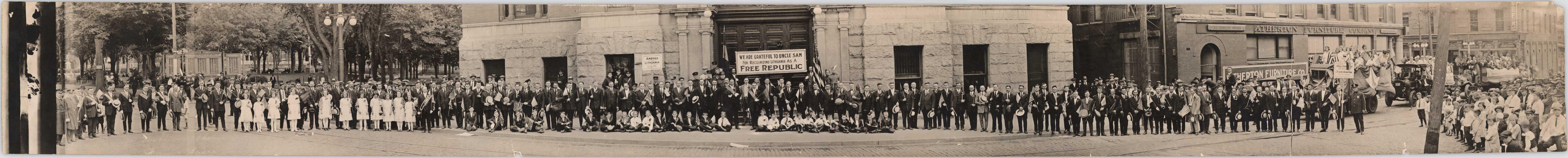 Lawrenco lietuviai 1922. Nuotraukos orginalas saugomas Lietuvos nacionaliniame muziejuje