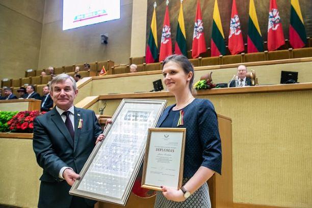 Kovo 11-ąją Seime 2019 m. įteikta Valstybės Nepriklausomybės stipendija Justinai Kazokaitei | lrs.lt nuotr.
