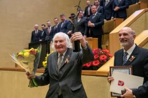 Kovo 11-ąją Seime 2019 m. įteiktas apdovanojimas A.Kentrai | lrs.lt nuotr.