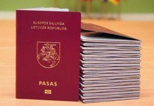 Lietuvos pilietybę atkurti siekiantys asmenys tai galės atlikti ir diplomatinėse atstovybėse