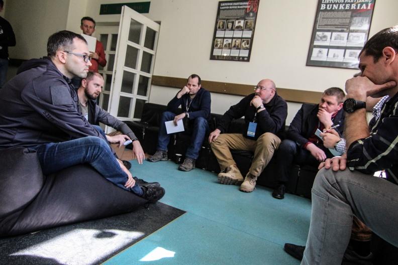 Pirmojoje Lietuvos gynybos technologijų kūrybos stovykloje sugeneruota 40 inovatyvių gaminiai idėjų | Pirmojoje Lietuvos gynybos technologijų kūrybos stovykloje sugeneruota 40 inovatyvių gaminiai idėjų | Gr. V. Zalatoriūtės nuotr.