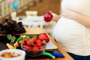 Vitaminai ir mikroelementai, būtini ne tik būsimos mamos, bet ir vaisiaus sveikatai   BENU nuotr.