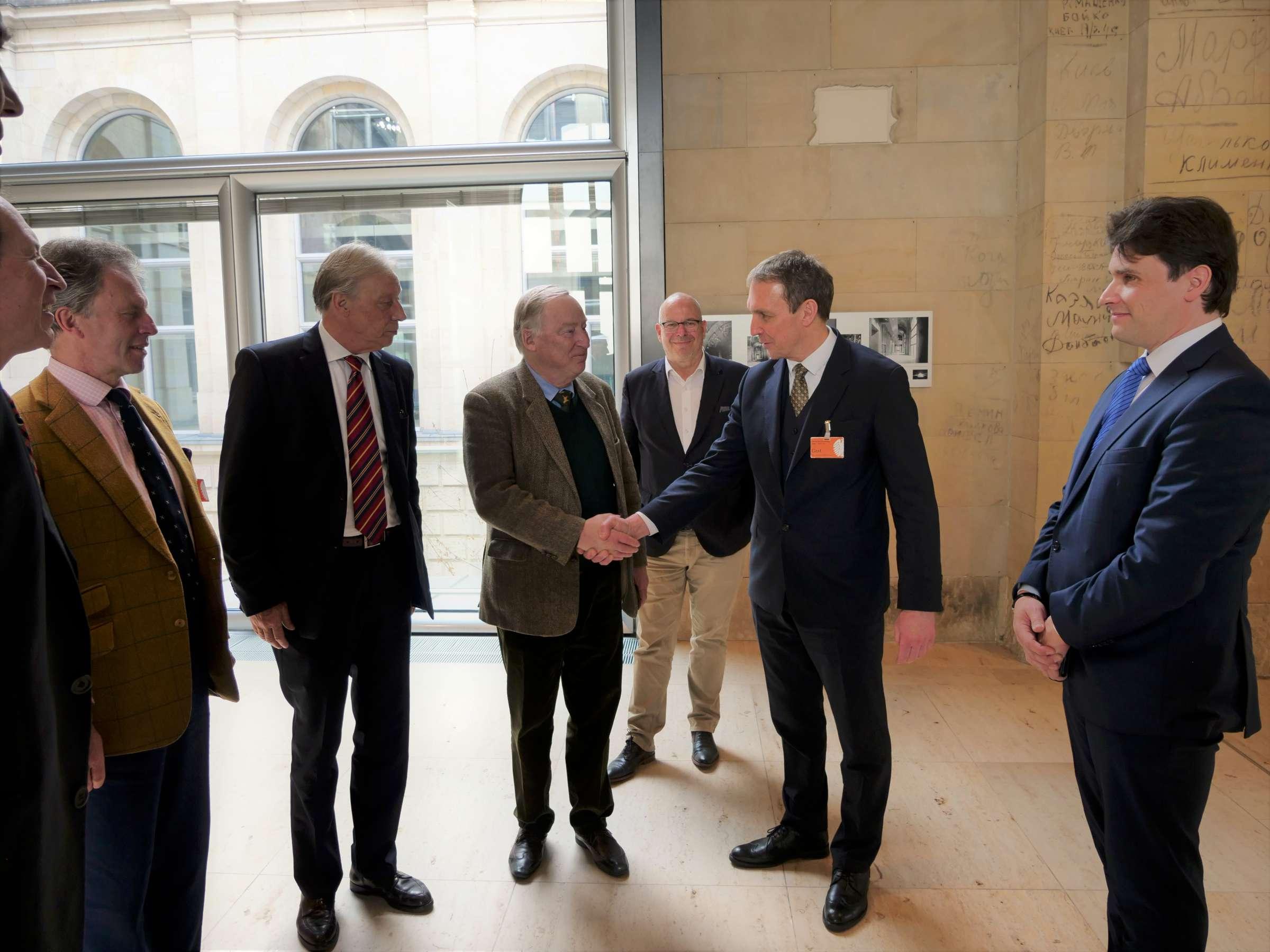 Arvydas Juozaitis Bundestage susitinka su AfD vadovu, Bundestago nariu Aleksanderiu Gaulandu (Alexander Gauland) | J.Vaiškūno nuotr.