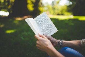 Knygų skaitymas | Pixabay nuotr.