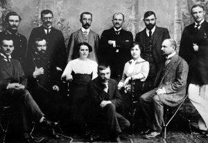 Kazimieras Būga (stovi trečias iš kairės) su Peterburgo lietuvių studentų grupe Lietuvių mokslo draugijos susirinkime Vilniuje, 1912 m. | voruta.lt nuotr.