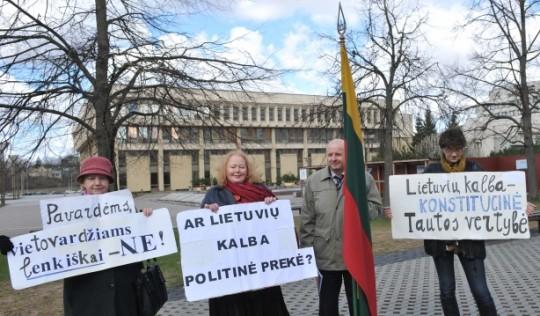 Jei reikės, bus referendumas dėl kalbos   S. Žumbio nuotr.