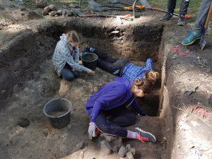 Birželio 17-23 dienomis Lietuvos moksleiviai kviečiami dalyvauti tradicinėje Vasaros archeologijos mokykloje Dubingiuose | kpd.lt nuotr.