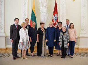 Prezidentė susitiko su Medininkuose žuvusių pasieniečių artimaisiais | lrp.lt, R.Dačkaus nuotr.