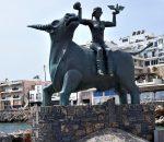 Skulptūra Agios Nikolaos mieste. Jautis pagrobia Europa   R.Jasukaitienės nuotr.