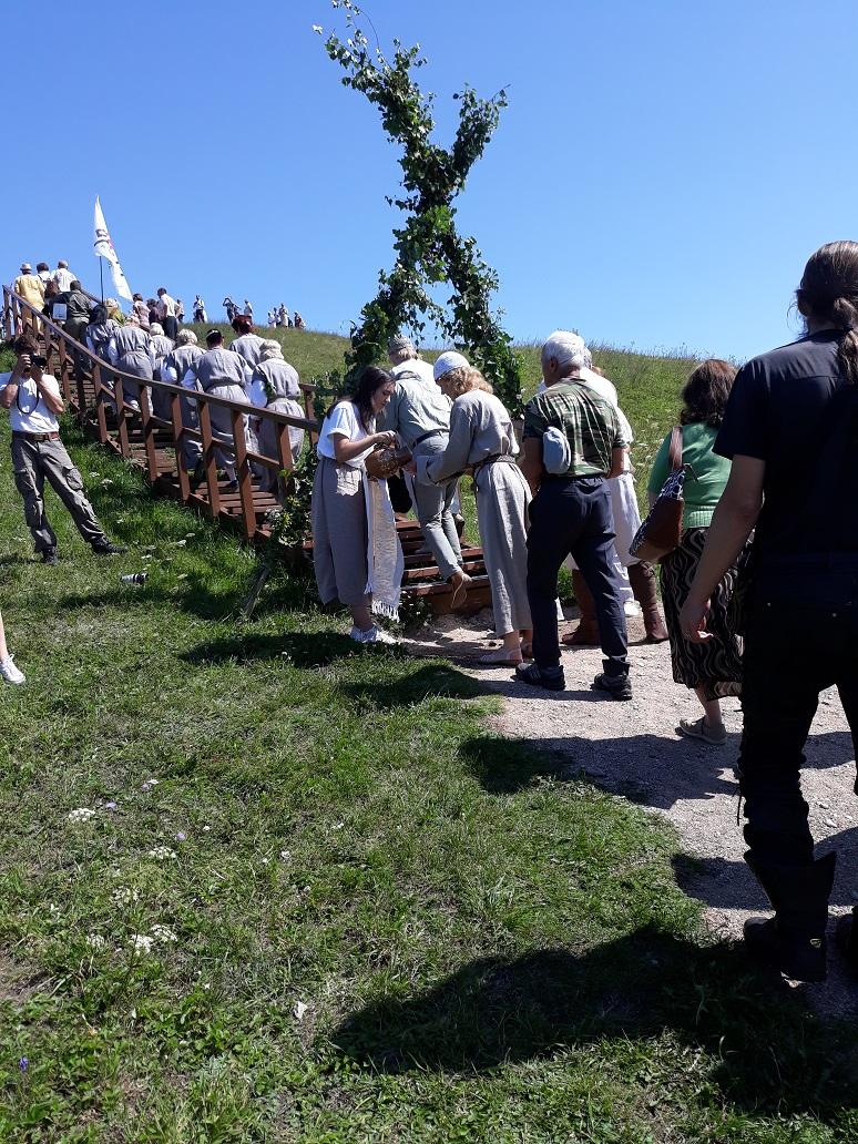 Ugnies apeigos ant Šatrijos kalno | R.Jasukaitienės nuotr.