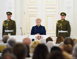 Įteikti valstybės apdovanojimai – už nuopelnus Lietuvai | lrp.lt, R. Dačkaus nuotr.