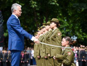 Lietuvos karo akademijos absolventai tapo karininkais ir papildys Lietuvos kariuomenės Sausumo pajėgas | R. Dačkaus ir G. Maksimovicz nuotr.