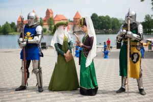 Trakų pilyje visą savaitgalį vyks senųjų amatų dienos | Rengėjų nuotr.