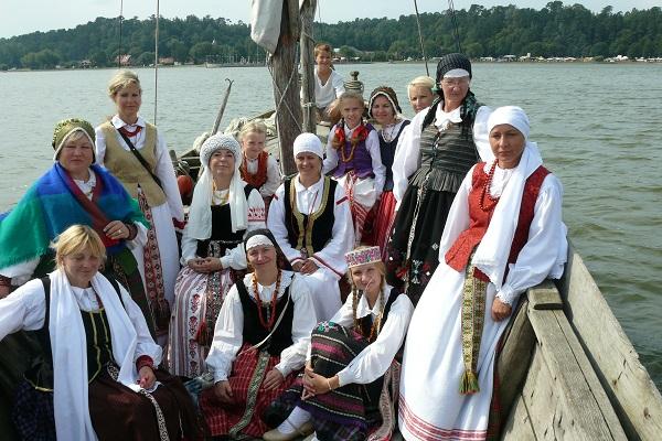 "XII-oji folkloro šventė ""Pūsk, vėjuži!"" Juodkrantėje | Liudviko Rėzos kultūros centro nuotr."