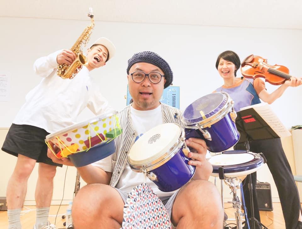"""Japonijos muzikos atlikėjų grupė """"Asa Chang and Junray""""   madeinvilnius.lt nuotr."""