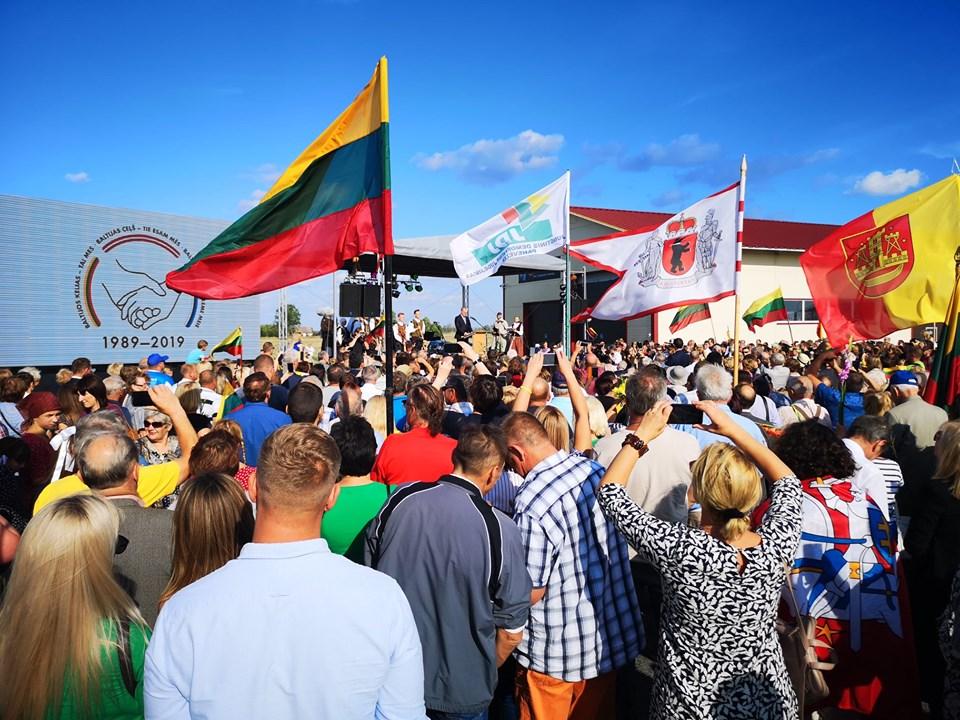 Baltijos kelio 30-mečio minėjimas Saločočiuose. | A. Stalilionio nuotr.
