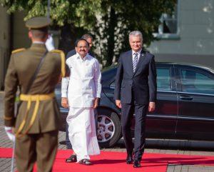 Istorinis vizitas: Prezidentas pasiūlė Lietuvoje atidaryti Indijos ambasadą | lrp.lt nuotr.