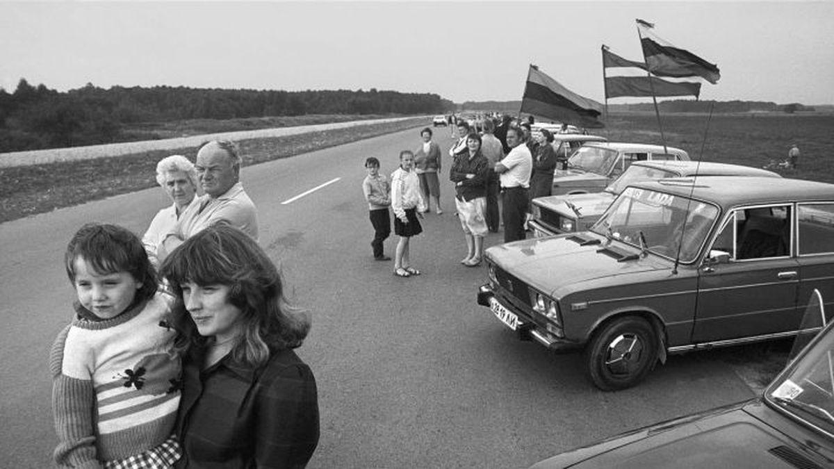 Baltijos kelias   R. Požerskio nuotr.
