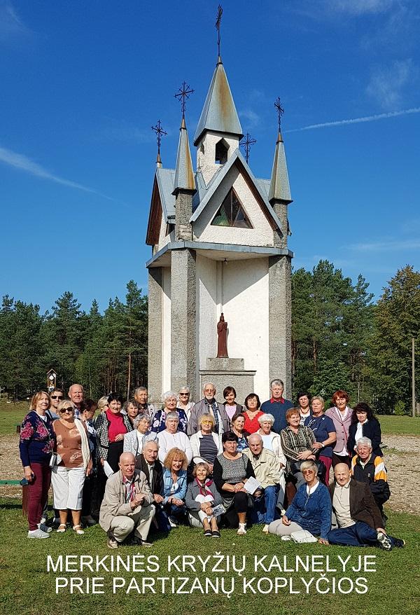 Merkinės kryžių kalnelyje prie Partizanų koplyčios   A. Grigaitienės ir V. Sungailos nuotr.
