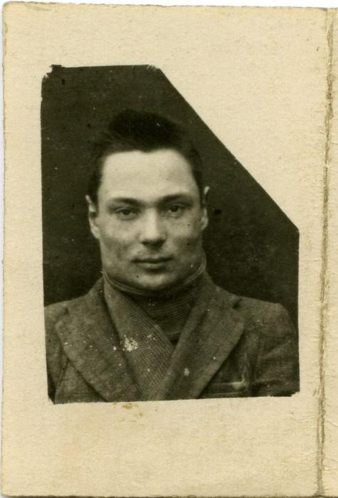Žiauriai nukankinti Marijampolės gimnazijos VII a. klasės moksleiviai, Tauro apygardos partizanai Jurgis Bekampis-Šalmas ir Algimantas Gustaitis-Kimas | LGGRTC it LYA archyvų nuotr.