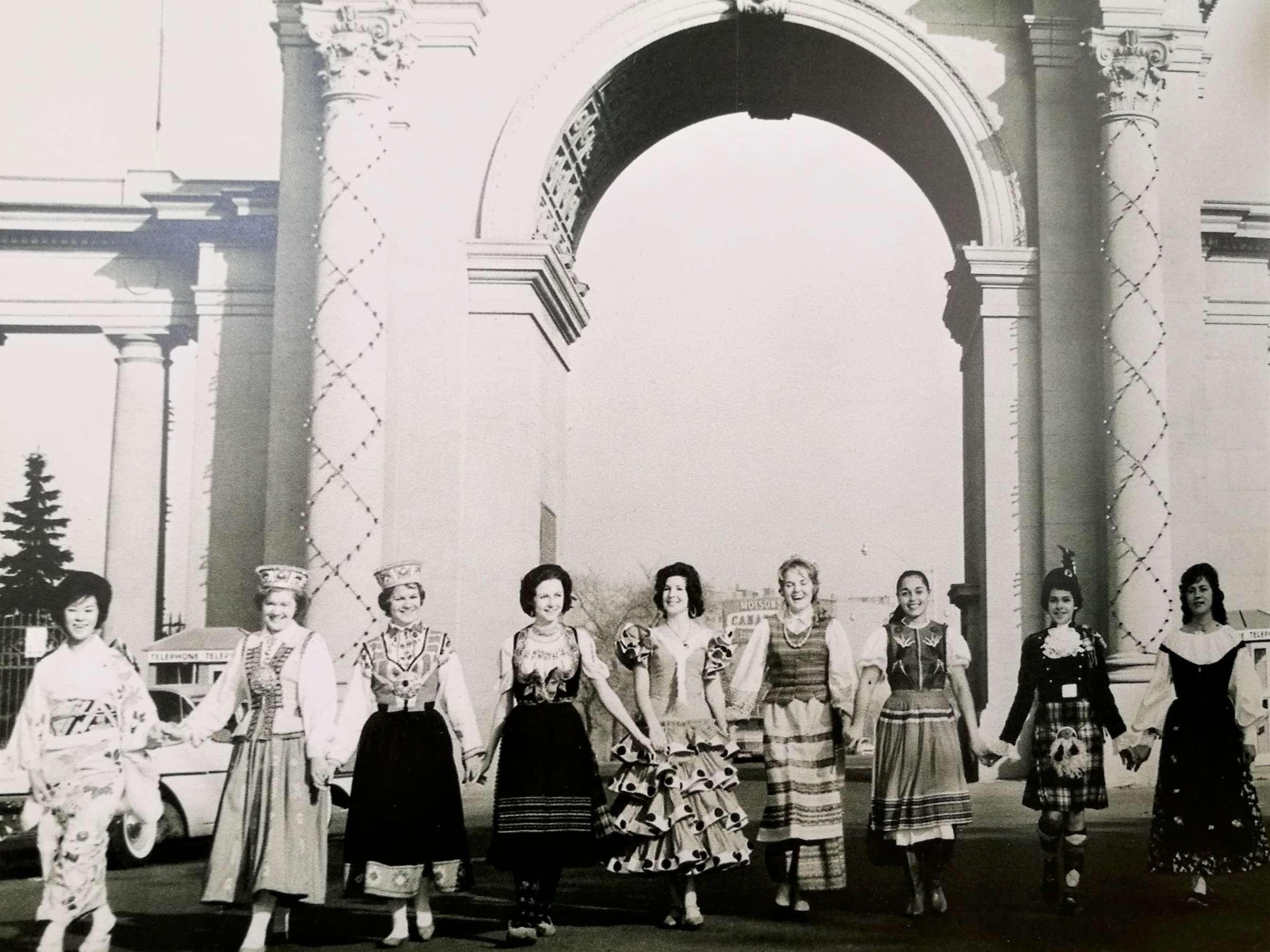 Daugiakultūrinė šventė Toronte 1962 m.   Rengėjų nuotr.