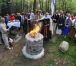 Baltų tikėjimo tęsėjai Punsko Krivulėje gilinosi į šventumo apraiškas | Alkas.lt, V. Daraškevičiaus nuotr.