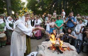 Senovės baltų religijos išpažinėjai romuviečiai | I. Sidarevičiaus nuotr.