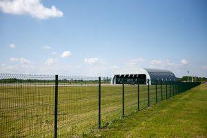 Dėl likviduojamo S. Dariaus ir S. Girėno aerodromo Seimo nariai kreipėsi į VSD ir KPD | lrt.lt nuotr.