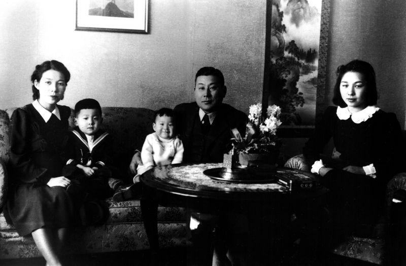 Čiunė Sugihara su šeima | sugiharahouse.com nuotr.