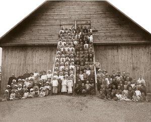 Pirmasis lietuvių vaikų darželis Vilniuje, Antakalnyje 1918 metai.   rengėjų nuotr.