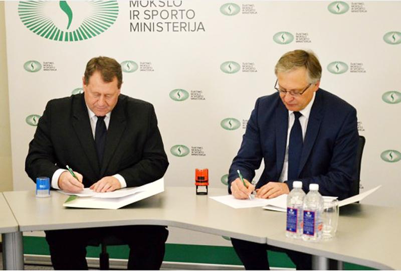 VU ir ŠU rektoriai pasirašė ketinimų protokolą dėl ŠU prijungimo prie VU | smsm.lt nuotr.