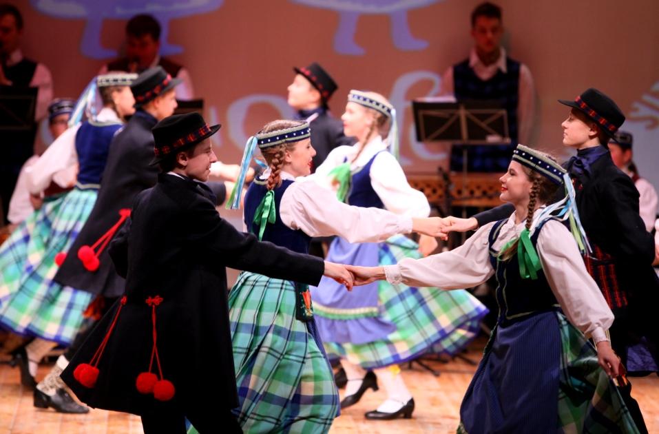 """Vaikų liaudiškų šokių šventė """"Aguonėlė""""   LNKC nuotr."""