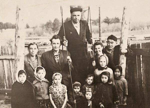 1961 m. su kaimynais Krasnyj Jar kaime | Asmeninė nuotr.