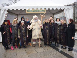 Senelis Kalėda į Vilnių atvyko su lietuviško Zodiako ženklais (nuotraukos)