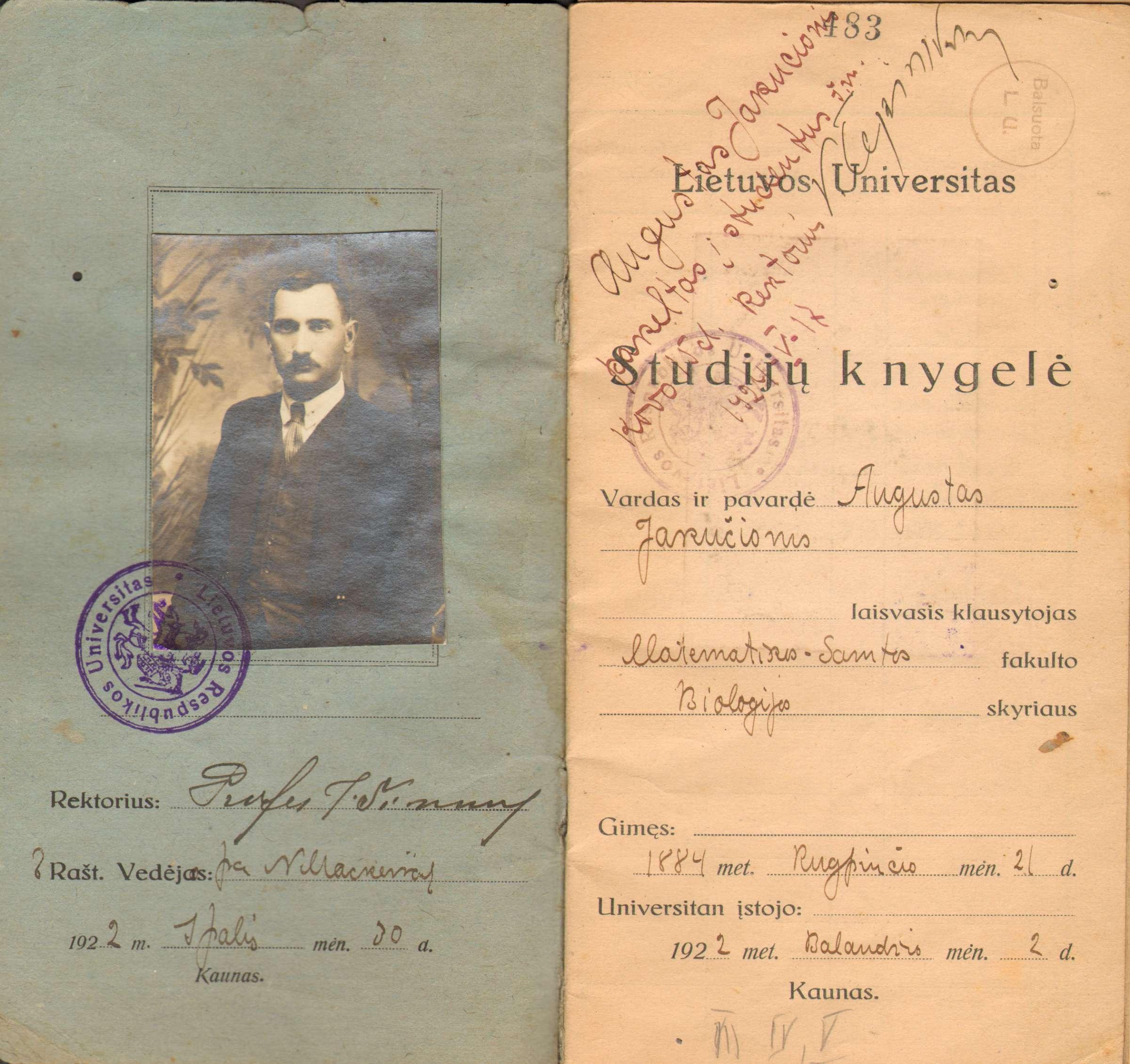 Lietuvos universiteto studento Augustino Jakučionio studijų 1922 metų knygelė | Lietuvos švietimo istorijos muziejaus fondų nuotr.