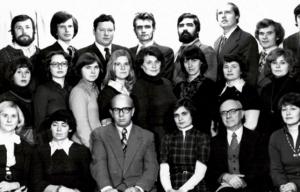 VU Psichologijos katedros ir Specialiosios psichologijos laboratorijos darbuotojai 1978 m. | VU nuotr.