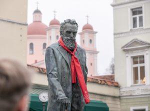 J.Basanavičius su kroatišku kaklaraiščiu | vilnius.lt nuotr.
